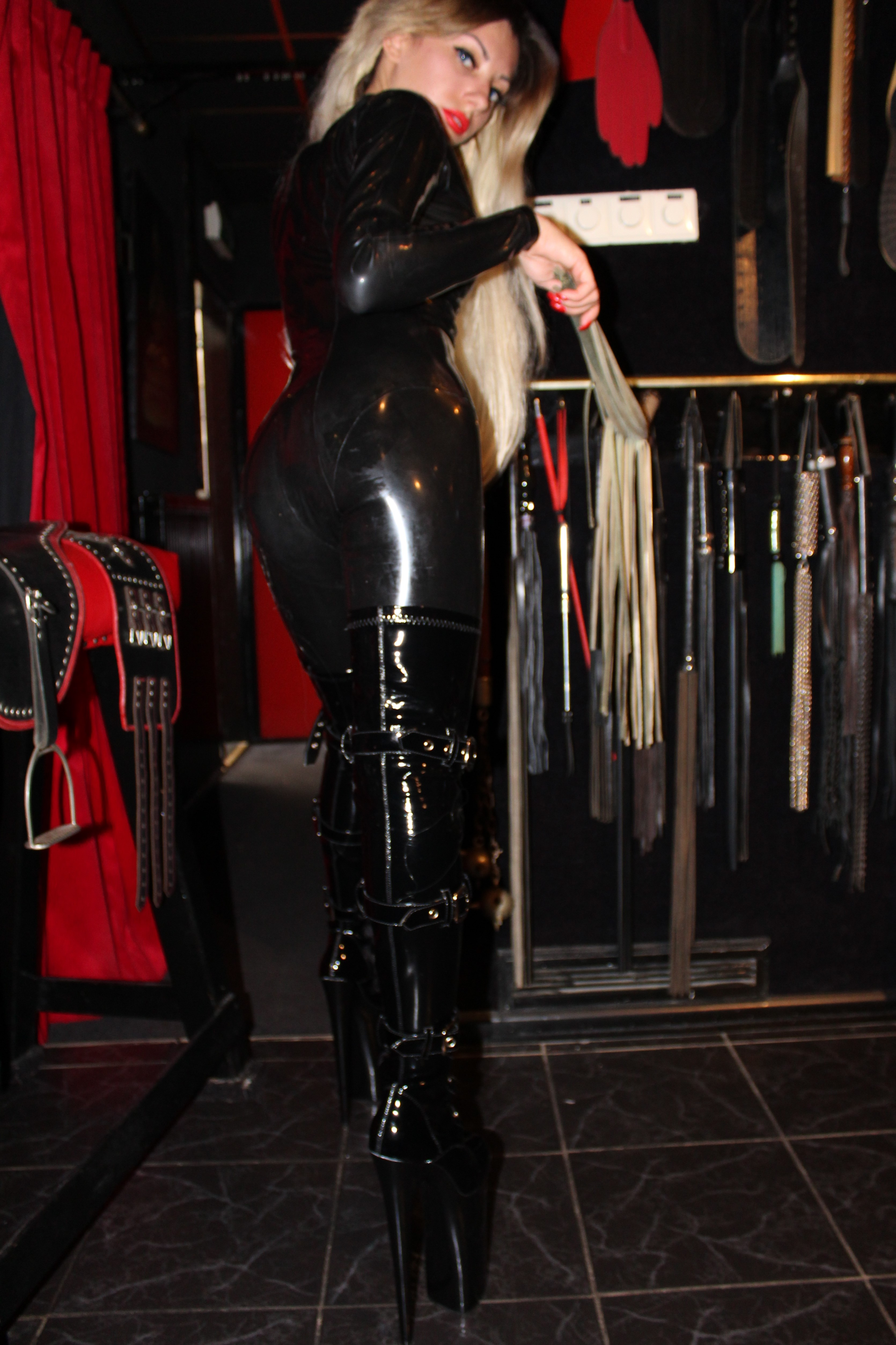 Over Mistress Emma